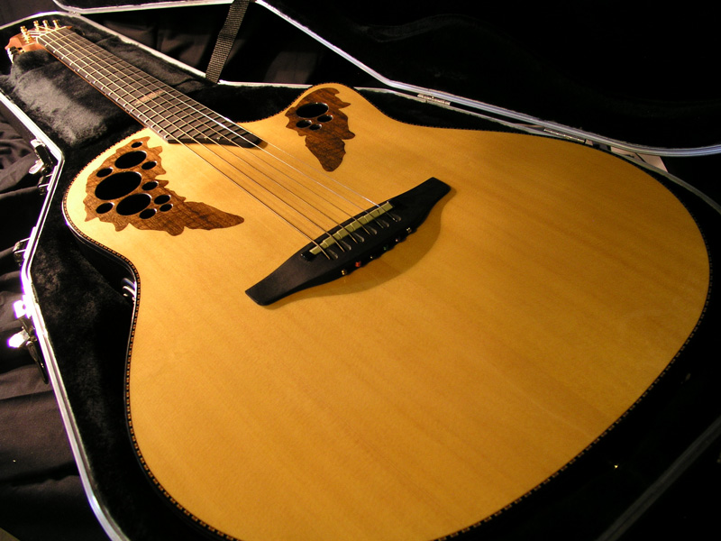 Ovation 2003 Collector's Edition Acoustic/Electric